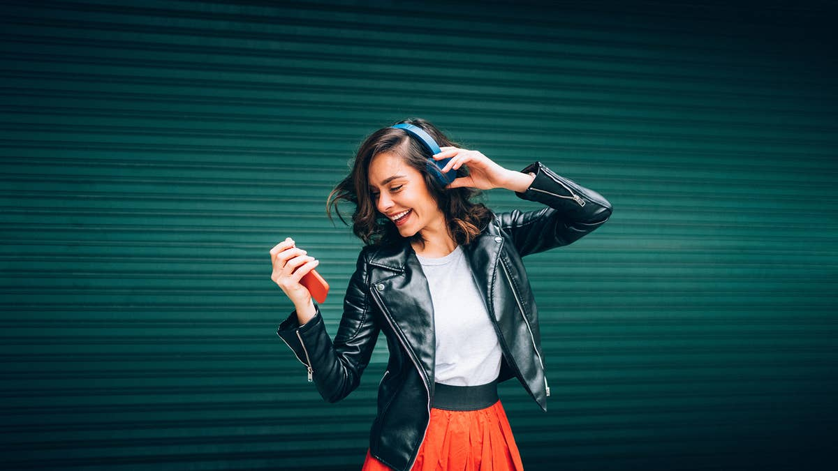 Best Science Podcasts: Fun Listening to Make You Smarter