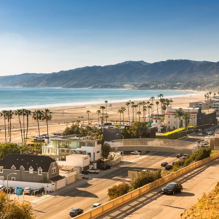 Santa_Monica_Beach.jpg