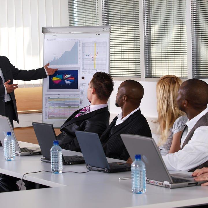 Business_English_Communication_Practice.jpg