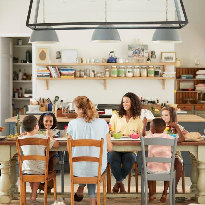 Homestay_People_Around_Dinner_Table.jpg