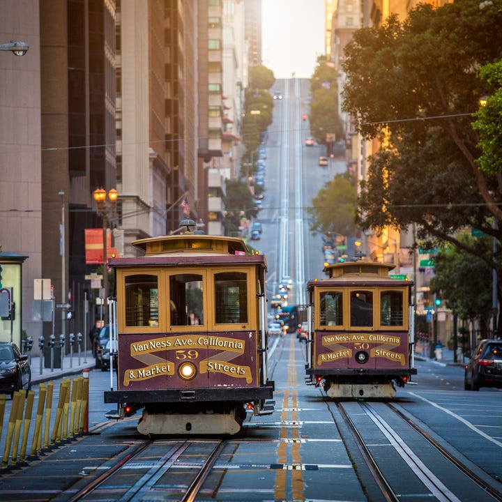 San_Francisco_Downtown_Cable_Cars.jpg