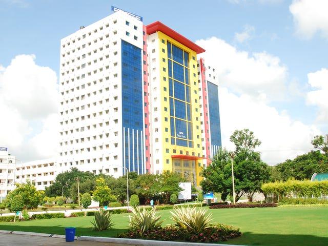India_Campus_Exterior_007.jpg