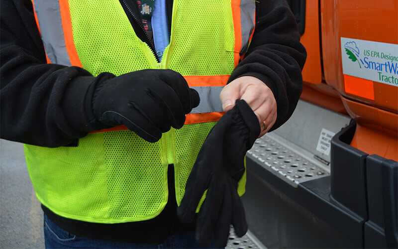 cold weather gloves for truck drivers