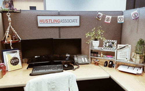 Creative Workspaces 4 Ideas For Decorating Your Cubicle And Why It Matters