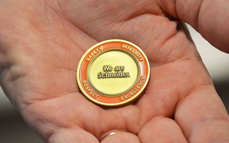 Schneider Value Coin Back