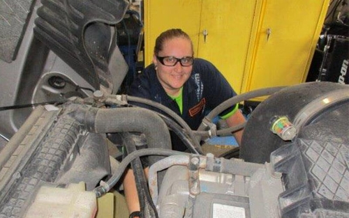 Lindsey Turner, a female diesel technician at Schneider, has been in her role for over seven years.