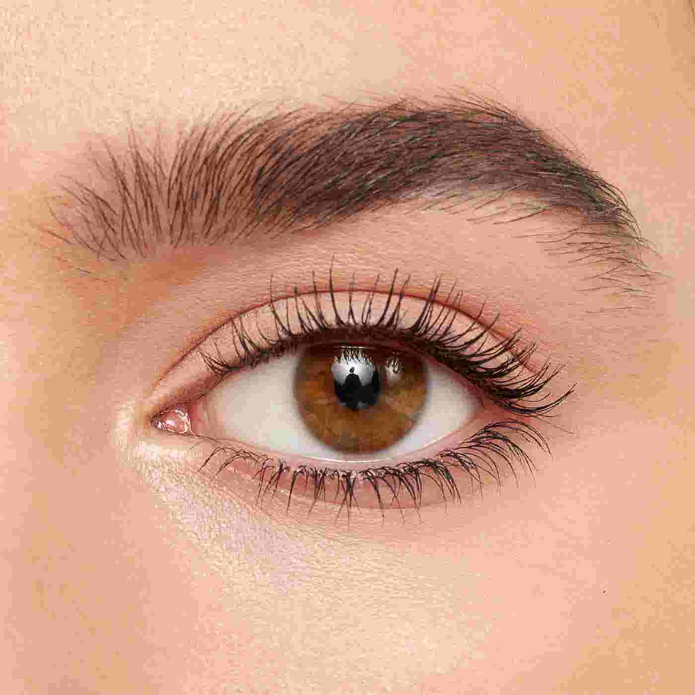 how to image - volume infusion mascara 1