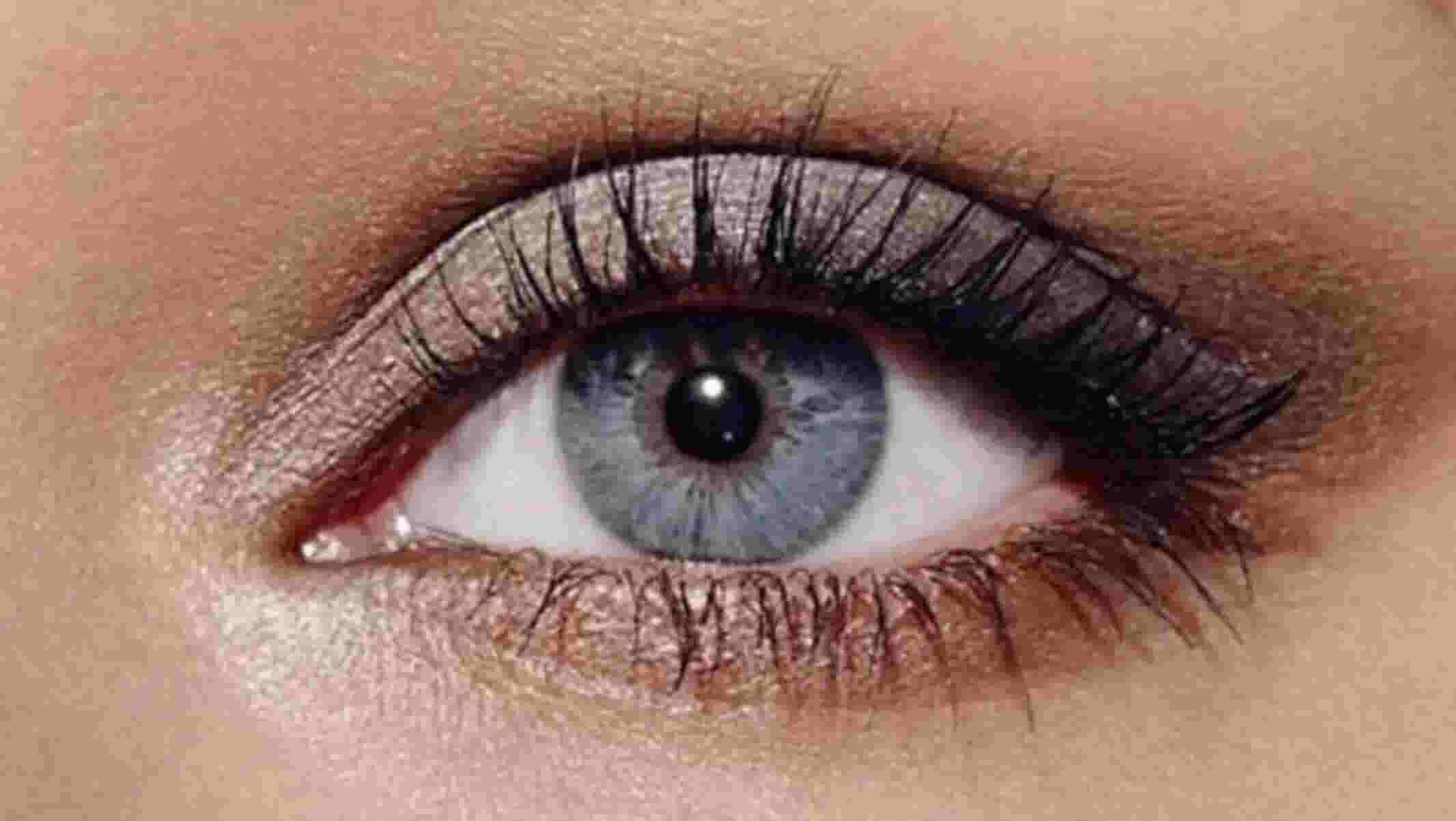 4 Eyeshadow Looks To Make Blue Eyes Pop