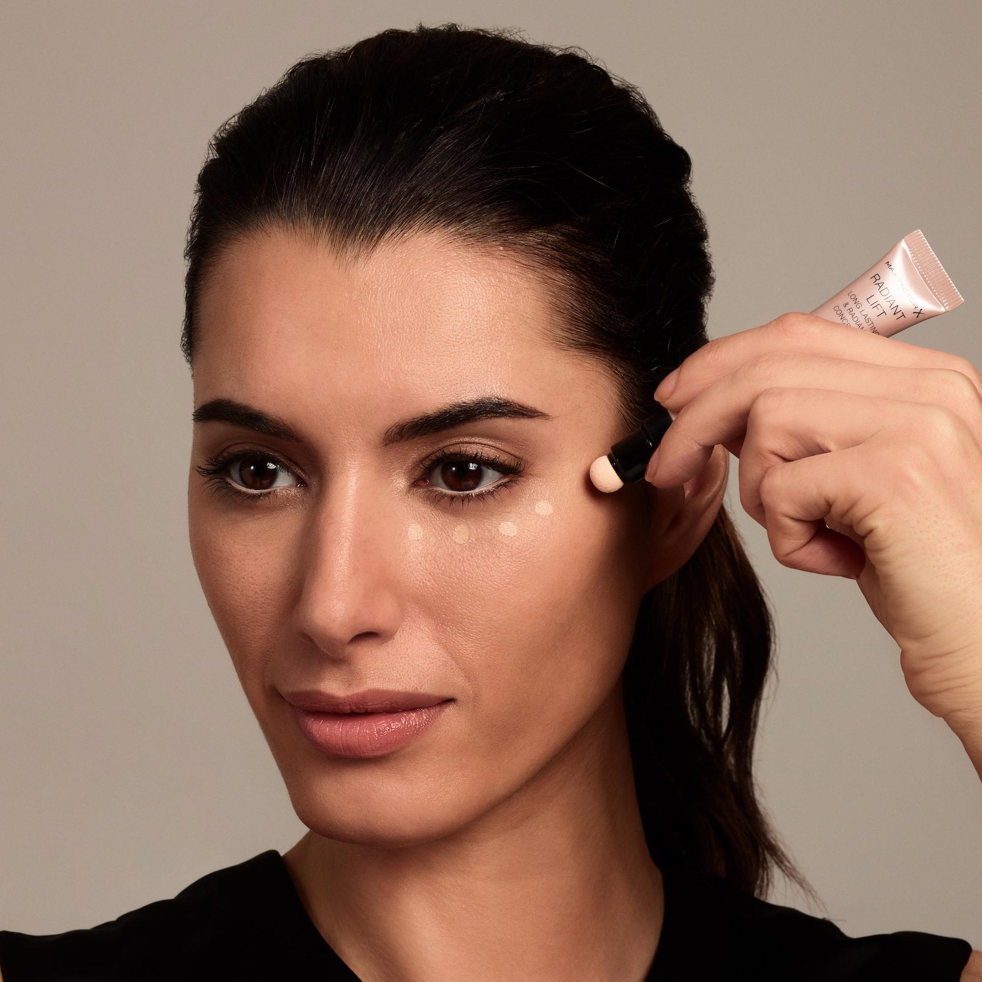 Natural Makeup Tips For A Luminous Glow