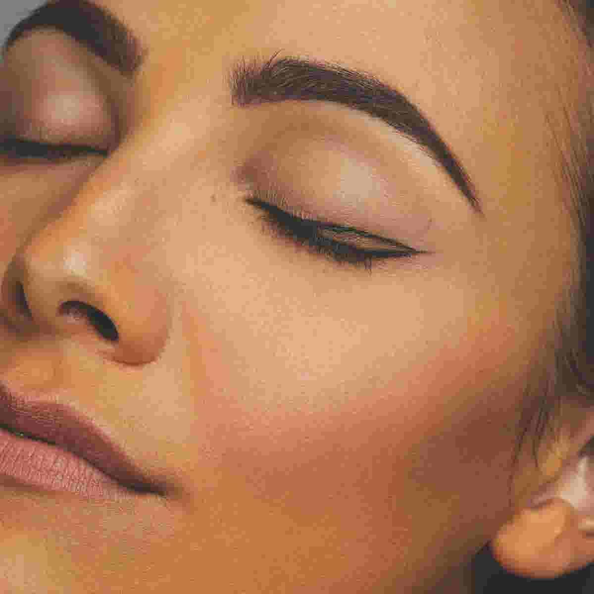 Winged eyeliner tutorial step two