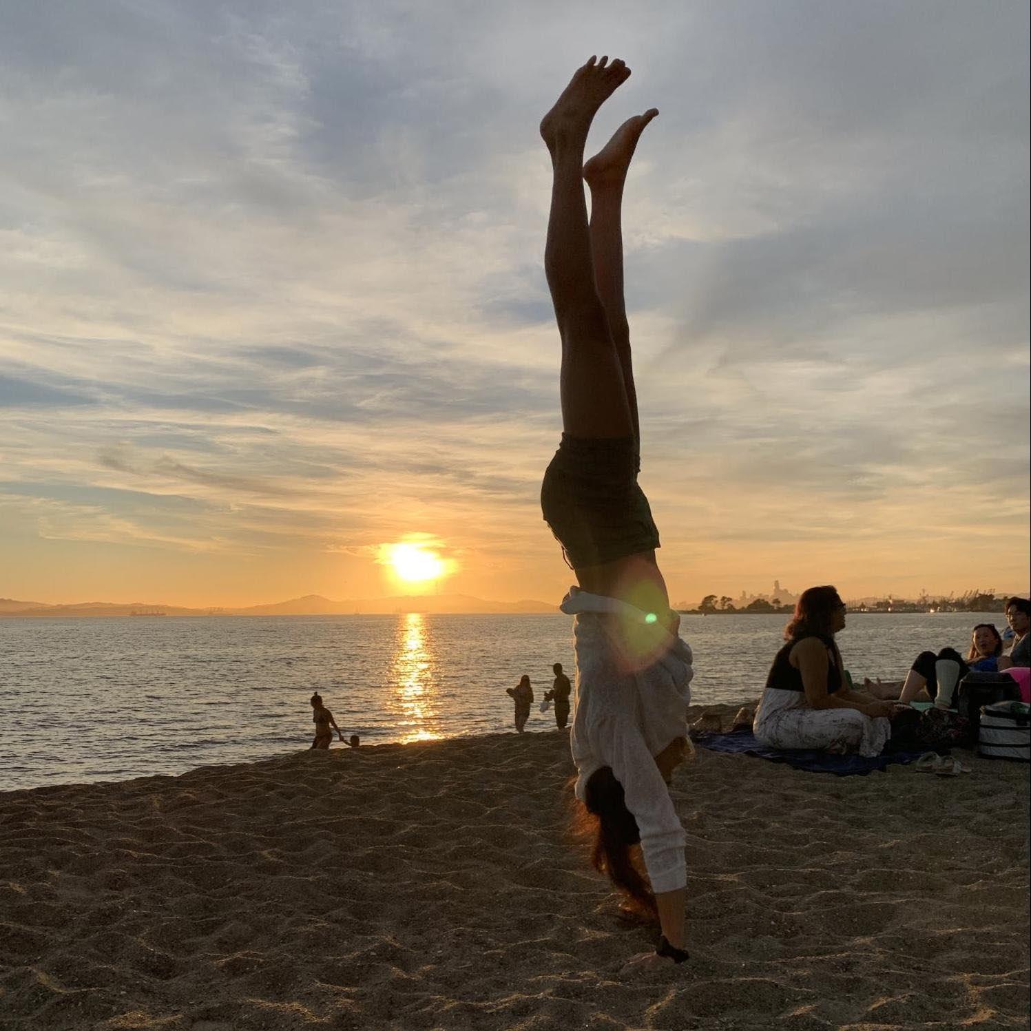 Celine handstand