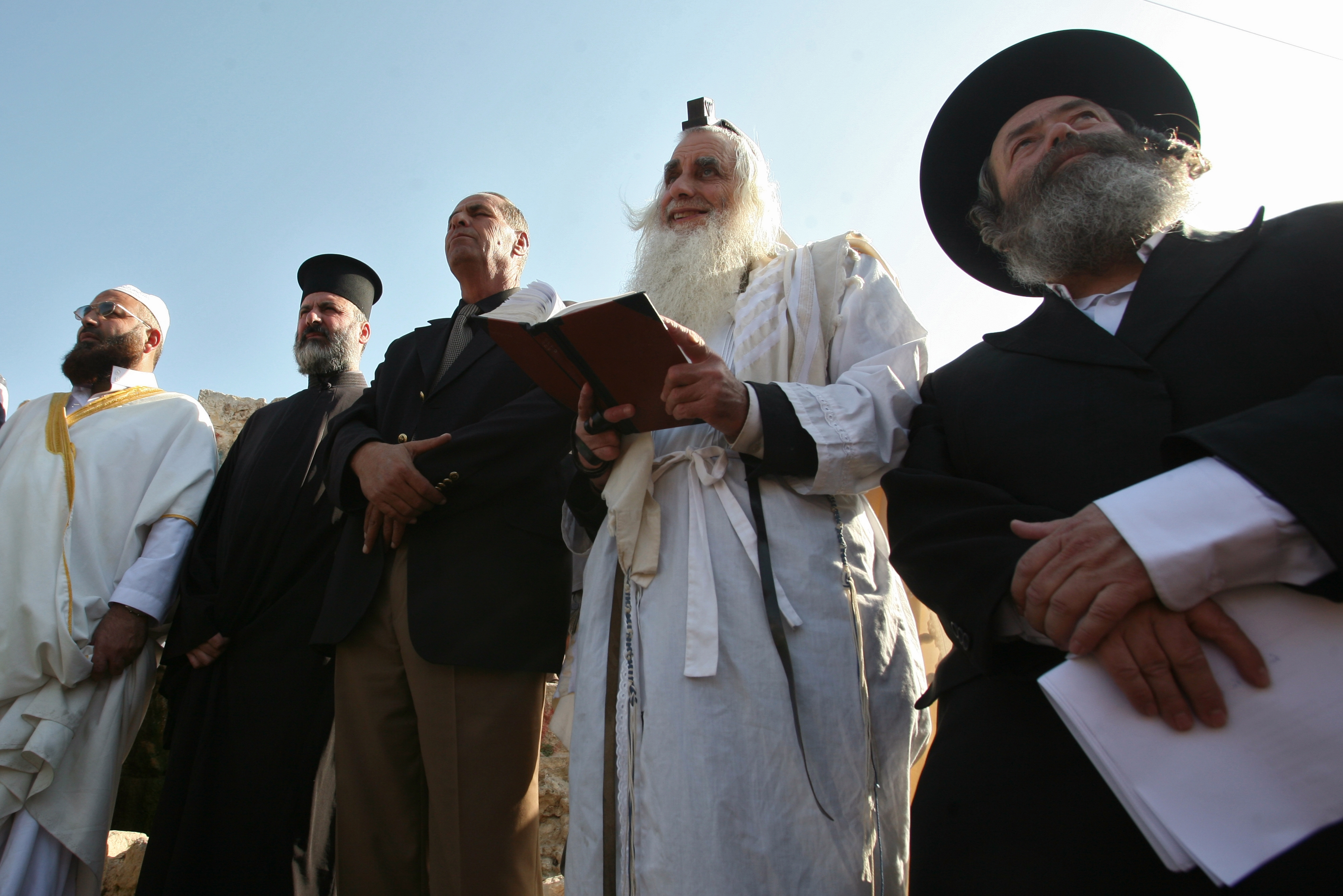 Chief Rabbi: atheism has failed. Only religion can defeat the new barbarians