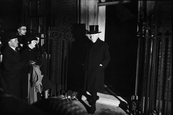 Dr Cosmo Lang, Archbishop of Canterbury, leaves Number 10 Downing Street on 6th December 1936 after meeting with Prime Minister Stanley Baldwin and other ministers to discuss the abdication crisis. Image: Getty.