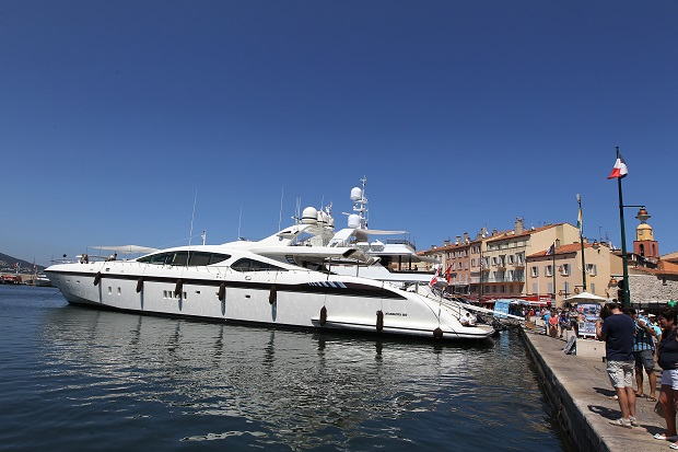The South of France is the playground of Russian oligarchs - oodles of cash, lurid boats and a lack of taste. (VALERY HACHE/AFP/GettyImages)