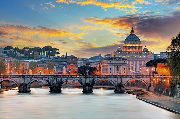 Rise early to see the Vatican at its best