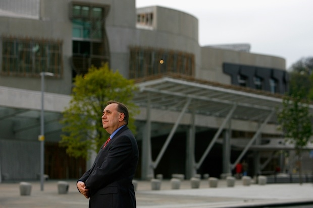 Alex Salmond outside the Scottish Parliament. Two institutions disliked by Scottish voters. Photo: Getty Images.