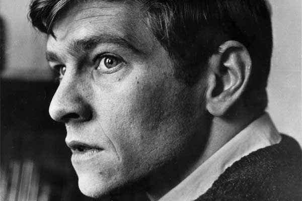 Tom Courtenay vs fame