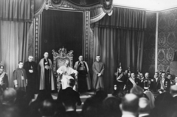 Pope Pius X on his throne in 1910 (Photo: Hulton Archive/Getty)