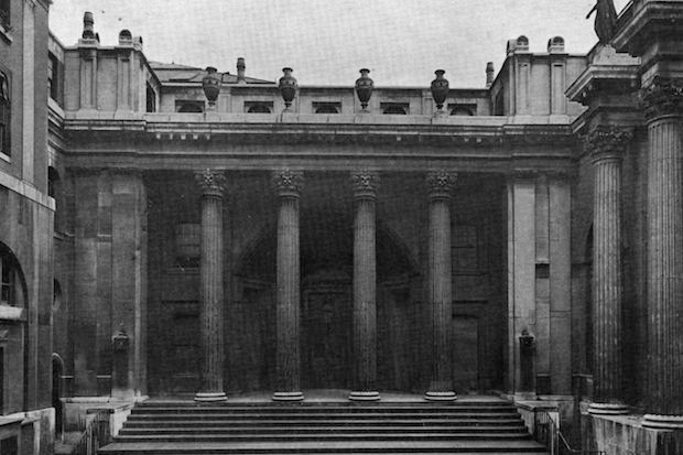 The old Bank of England,  London.  (Photo by Hulton Archive/Getty Images)