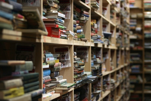 The book wholesaler Bertram's is going to compete with Amazon in the online book market. Image: Getty