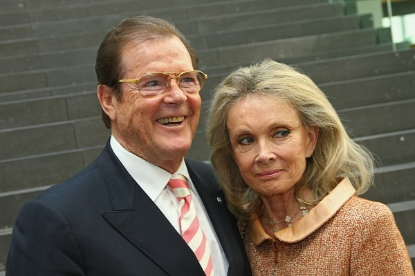 Roger Moore doesn't like parties. Image: Getty.