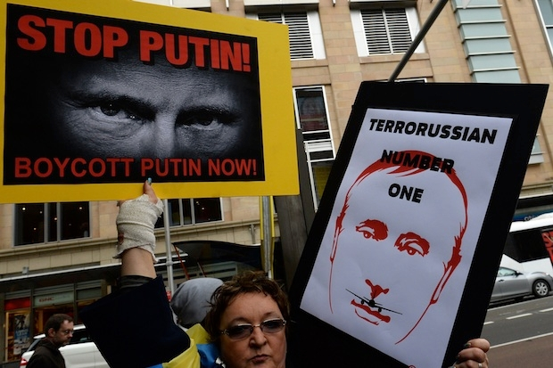 Protestors in Sydney demand that Putin be banned from the G20 in November. Image: Getty