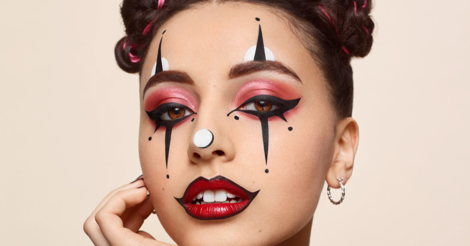 This Clown Makeup Is Scarily