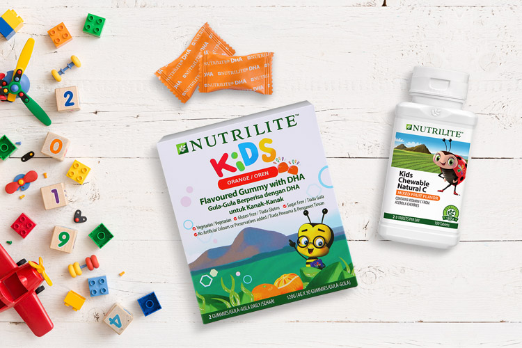 Nutrilite Kids Flavoured Gummy with DHA and Chewable Natural C