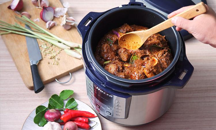 Cook beef rendang with the Noxxa Pressure Cooker 2