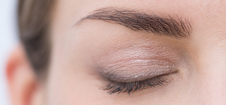 Eyebrow trends make up