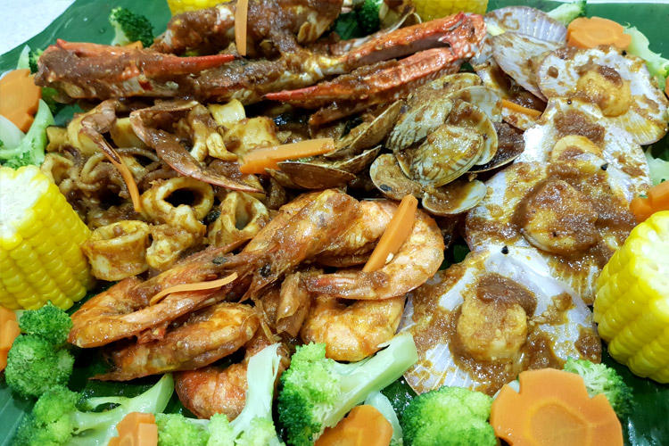 Throw a seafood shellout dinner for loved ones