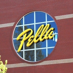 circle window around pella logo