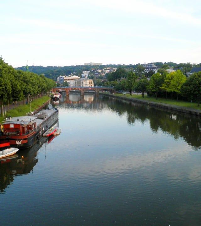 Blick über die Saar auf Saarbrücken