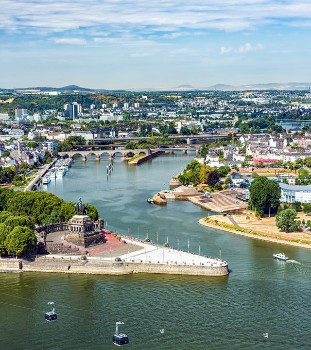 Koblenz, das 1992 sein 2000-jährige Bestehen feierte, gehört zu den ältesten Städten Deutschlands. Teile von Koblenz gehören zum UNESCO-Welterbe.
